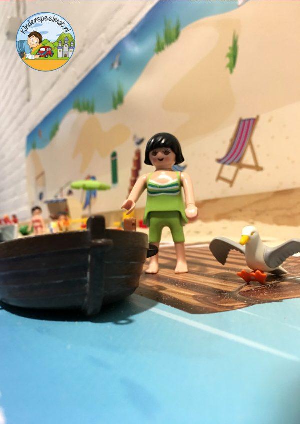 Duinenachtergrond met strandhuisjes 11 b, kinderspeelmat
