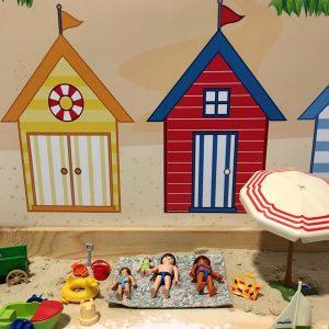 Duinenachtergrond met strandhuisjes 3, kinderspeelmat