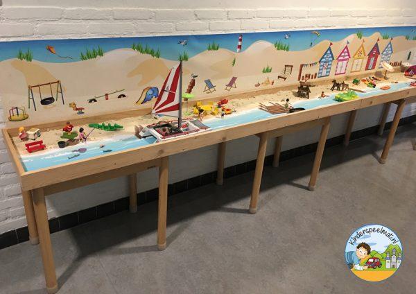 Duinenachtergrond met strandhuisjes 7 b, kinderspeelmat