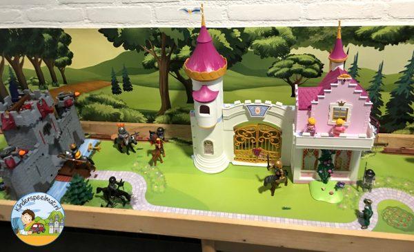 Speeltafel met Bosachtergrond en Parkmat 3, kleuteridee