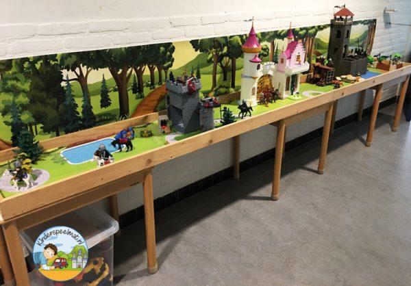 Speeltafel met Bosachtergrond en Parkmat, kleuteridee.jpg
