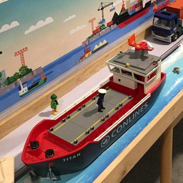 Watermat voor de haven 3, kinderspeelmat