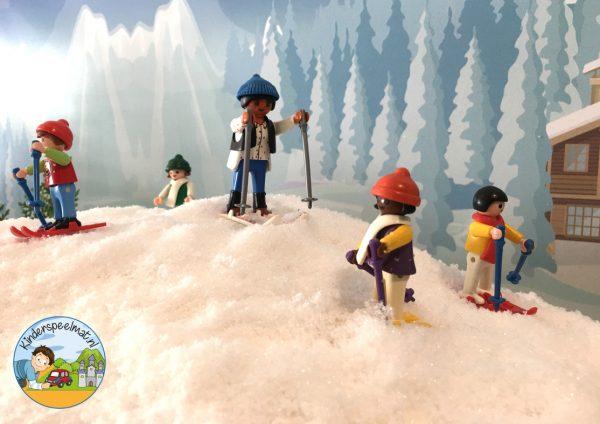 Achtergrond bergen winter 3 , kinderspeelmat