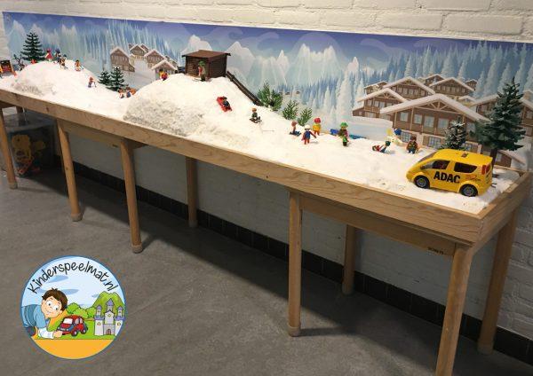 Achtergrond bergen winter k, kinderspeelmat