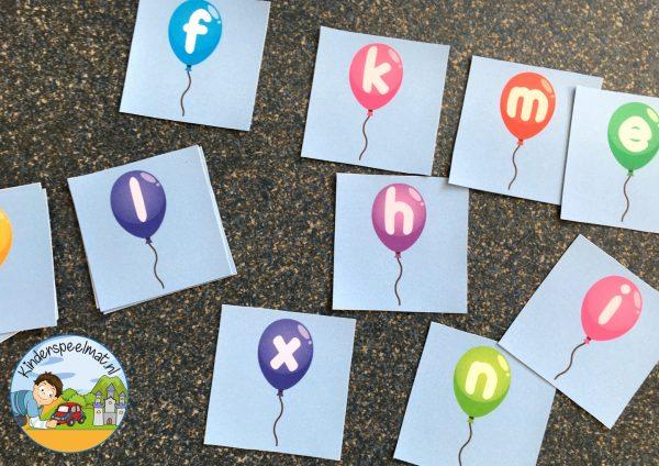 kaartjes voor letterstoelendans, bewegend leren, kinderspeelmat